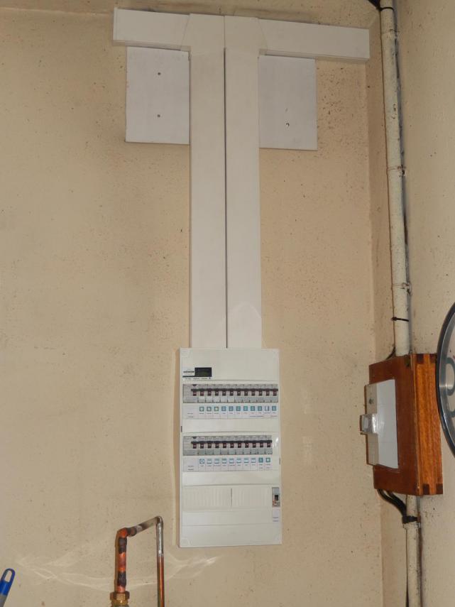 Mise aux normes d'un tableau électrique à Changé (72560)